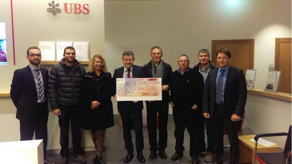Remise du chèque de soutien de la Fondation UBS pour la culture par les responsables de l'UBS Valais en présence de Madame Caroline Brunetti, Archéologue cantonale, 03 février 2016, (RAMHA).