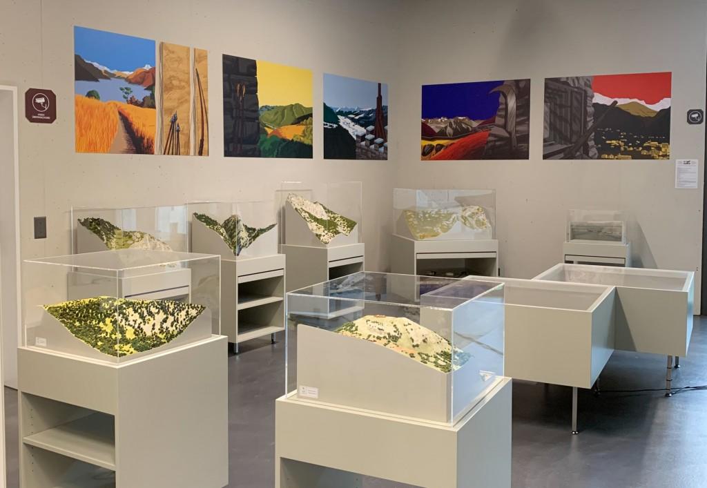 L'exposition « Là-haut, da oben » au World Nature Forum de Naters présente sous forme de maquette les installations défensives mis en place à travers les âges dans le relief alpin.